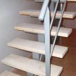 trap met houten treden
