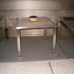 inox tafeltje met ceder